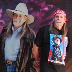 Willie & Mac - Bruce McCumstie
